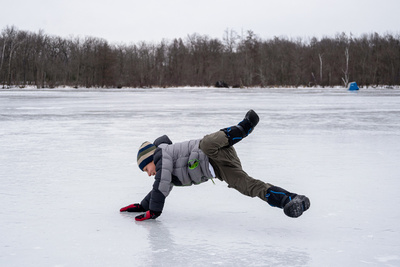 Breakdancing on ice